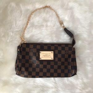 Louis Vuitton shoulder bag clutch bag